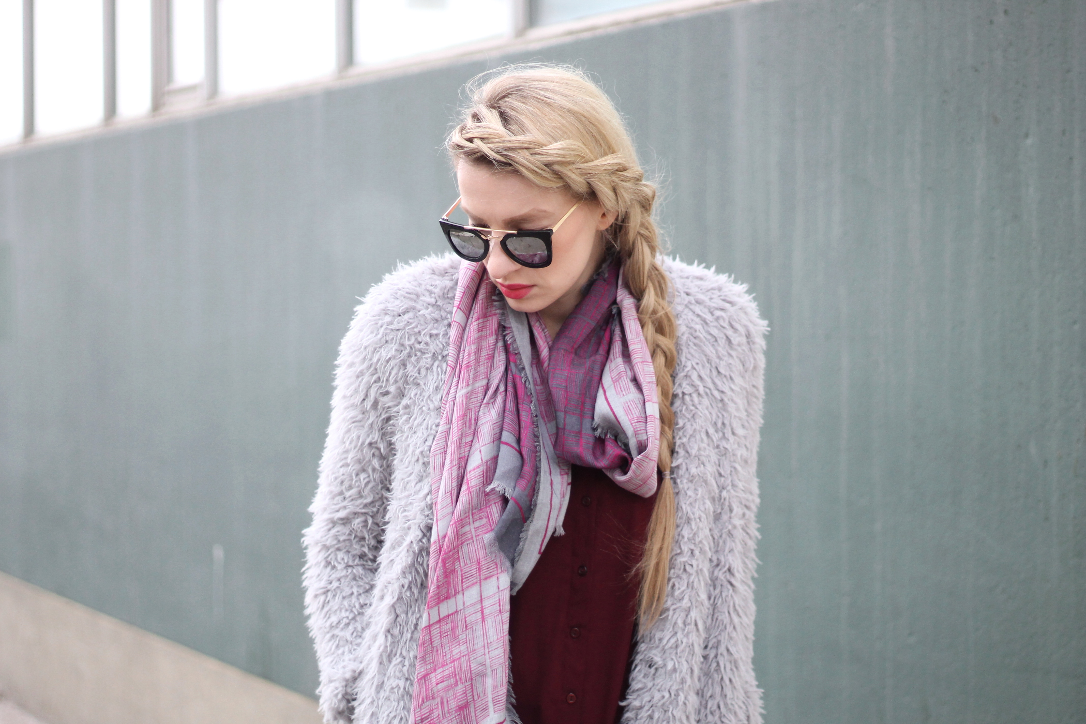 how to tie a scarf, scarf, scarves, pink scarf, fashionblogger