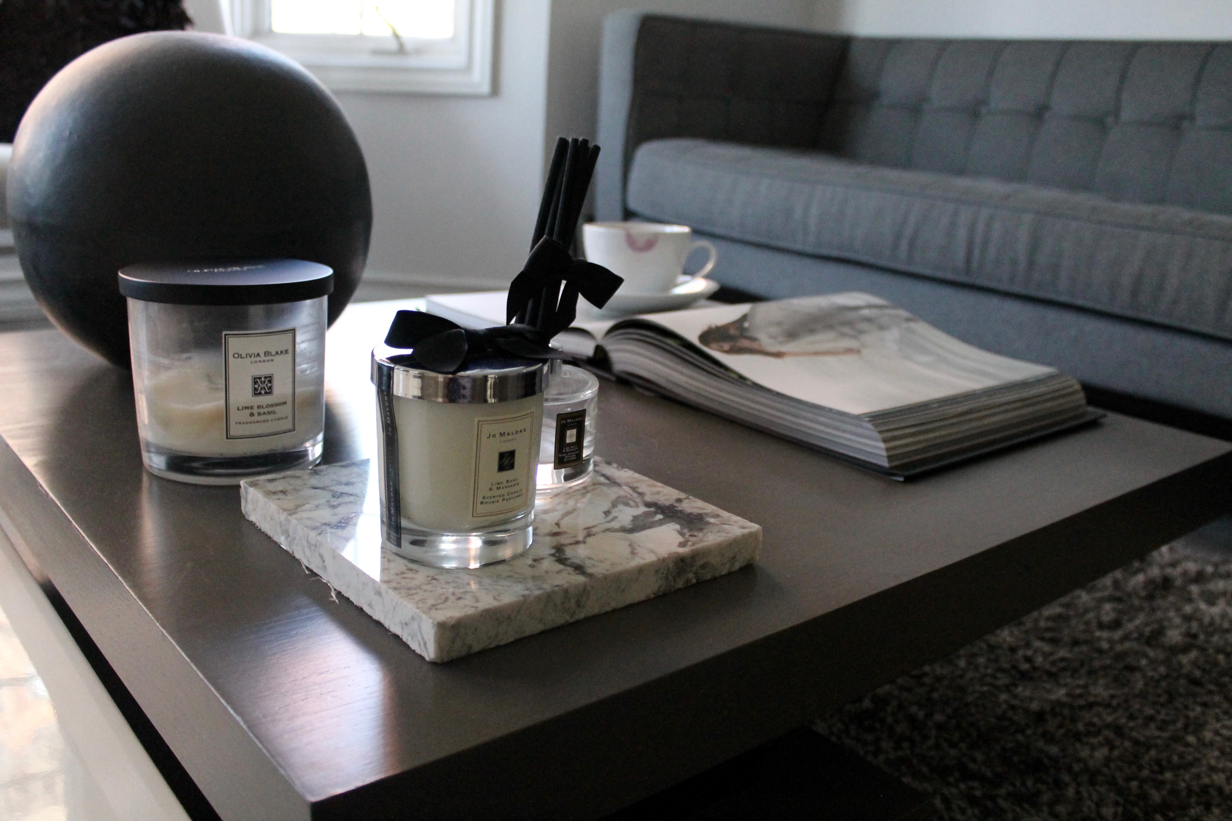 How to style coffee table books mon mode img2695 geotapseo Choice Image
