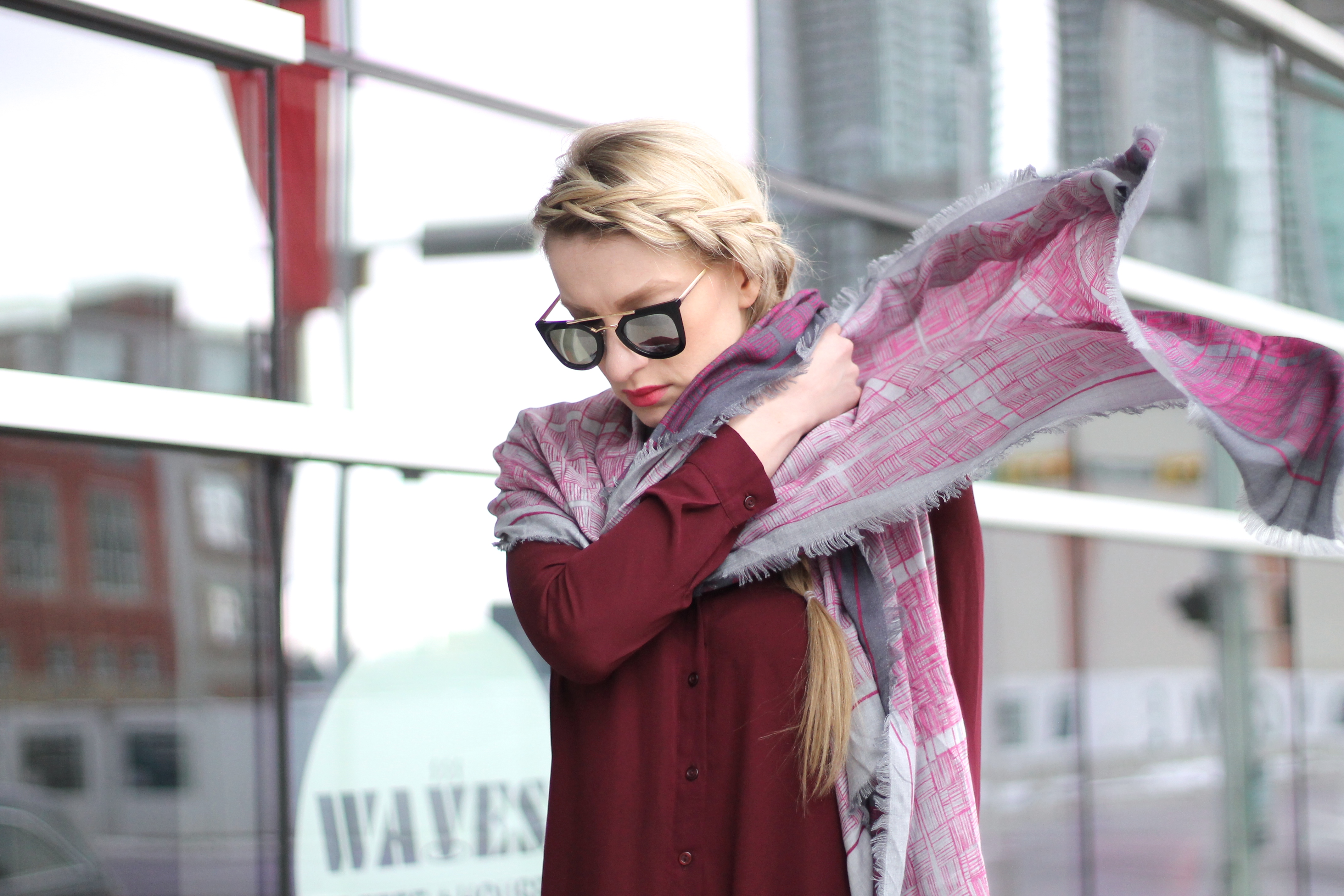 how to tie a scarf, scarf, scarves, fashion blogger, style star, pink scarf